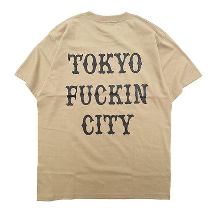 CAMILLO TOKYO FUCKIN CITY TEE <SAND KHAKI>