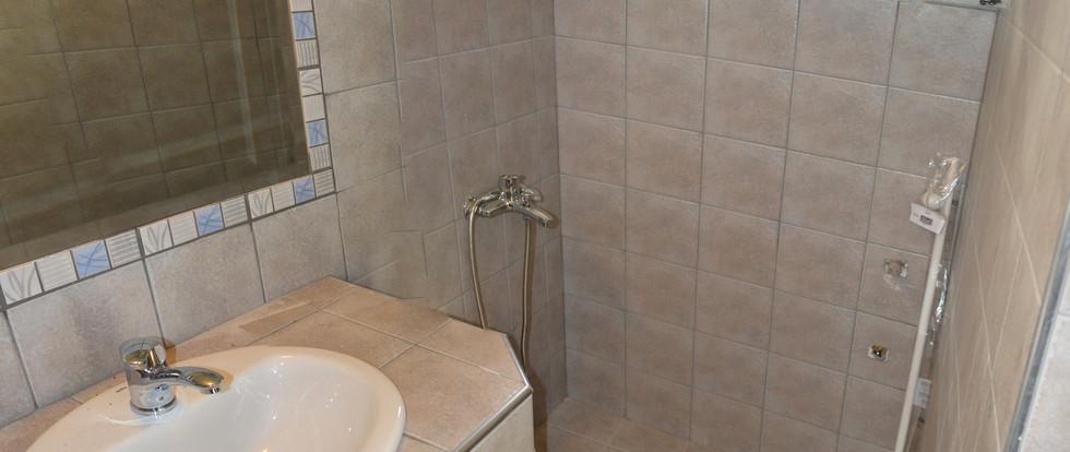 9 Μπάνιο.jpg