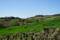 La colline du village