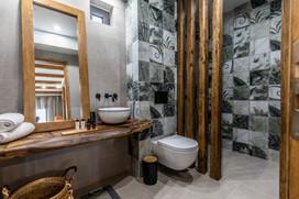 Bathroom, Junior suite 1, Artemis hotel