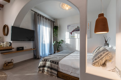 Junior suite 1, bedroom and Tv