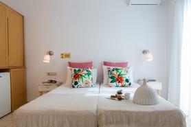 double bed, agia anna, Naxos
