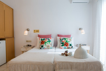 double bed, agia anna, Naxos