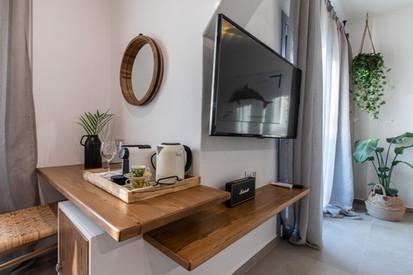 Junior suite 1, coffee and more, Artemis hotel