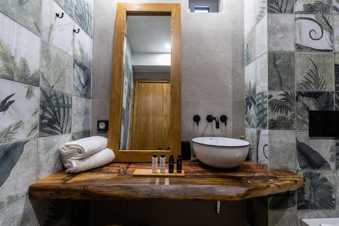 Bathroom , junior suite 1, Zealots amenities