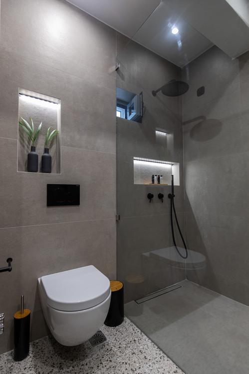 Bathroom, junior suite 2 , Artemis hotel