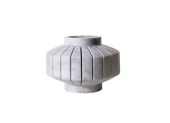 Girovago white marble vase