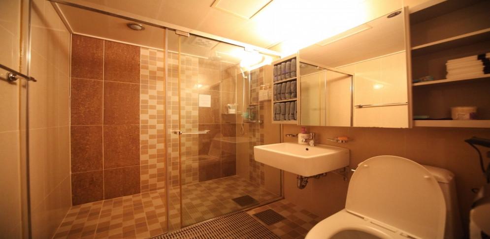 성동 마사지 구인구직 샤워실