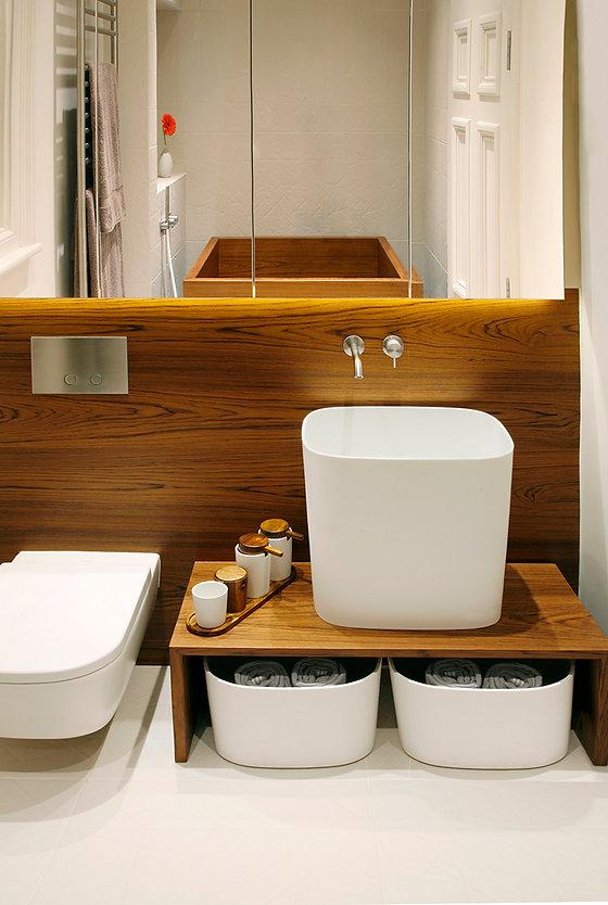 kensington_main_bathroom_sink.jpg