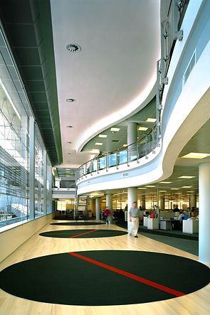 OM Business School_CT_3340_03_red.jpg