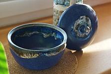 TiSaTo blaue Schüssel mit Deckel Steinzeug