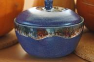 blaue Schüssel mit Deckel, TiSaTo Christine Hiltpolt