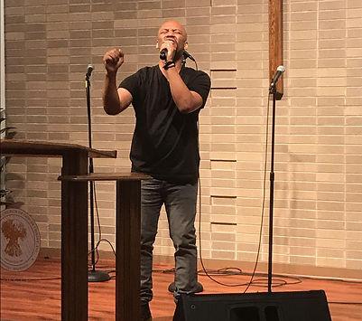 Grant Allison sings worship