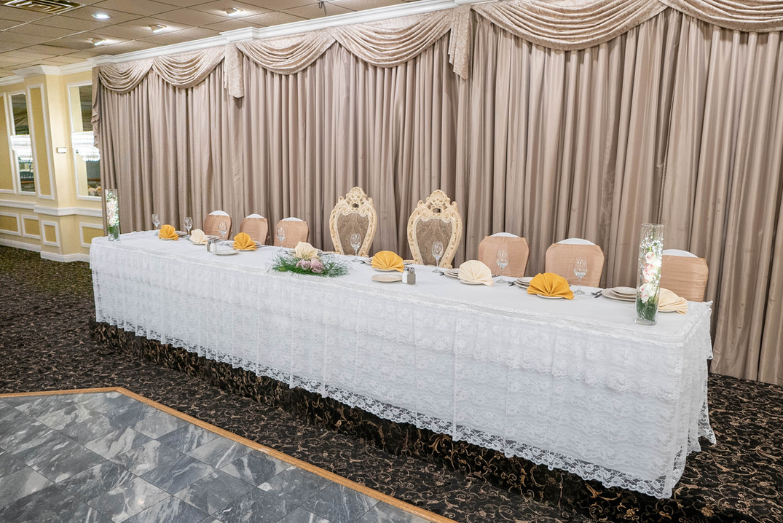La Villa Banquets Head Table