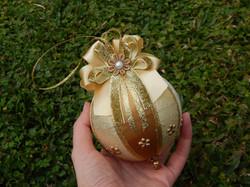 Bolas de Natal artesanal dourada