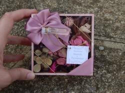 lembrancinha madrinha rosa antigo aromas