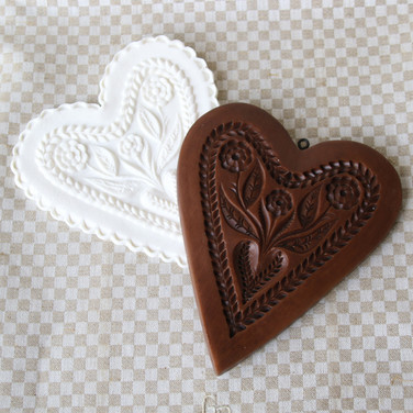 gingerhaus swiss blossoms heart mold