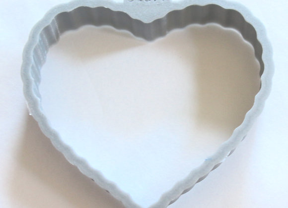 C - 5137F Lotus Flower Fluted Heart cookie cutter by Gingerhaus 17237F