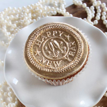 new year sprinerle cookie mold cupcakes