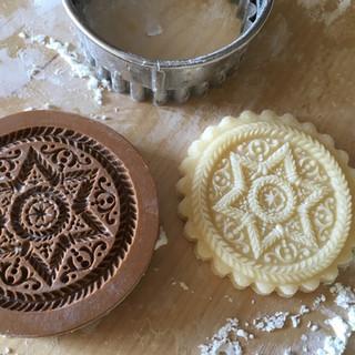 1673 baroque star springerle cookie mold