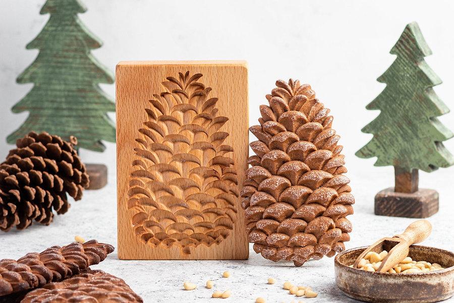 pine cone with mold cookie pryanik.jpg
