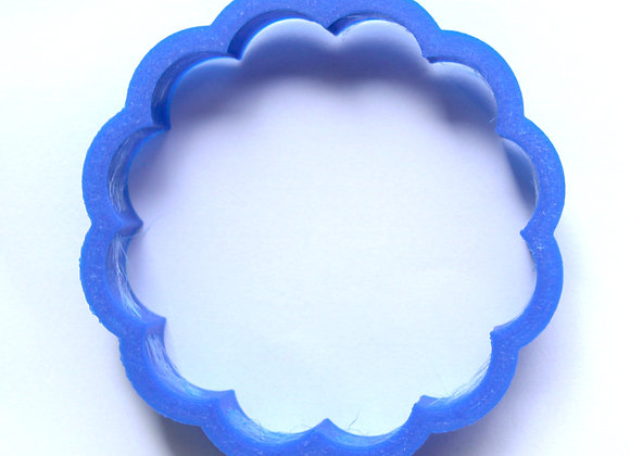 C - 6261 DAISY cookie cutter by Gingerhaus