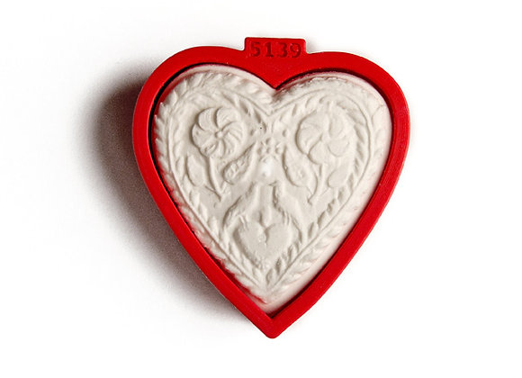 C - 5139 Custom Heart with Flowers cookie cutter by Gingerhaus 17254