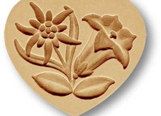 AP 5122 Heart with Edelweiss and Gentian springerle cookie mold by Anis-Paradies