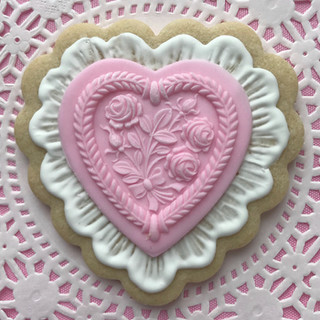 fondant heart pink.jpg