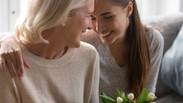 Per la Festa della Mamma regalati un percorso di prevenzione personalizzata contro il tumore al seno