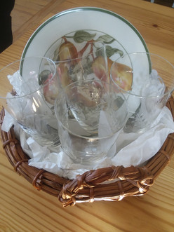 Plate & Glassware set