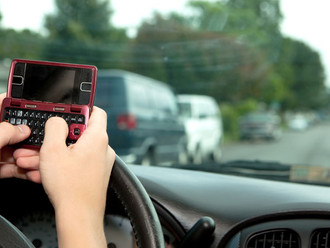 Texting while Driving Killing More teenagers than DUI
