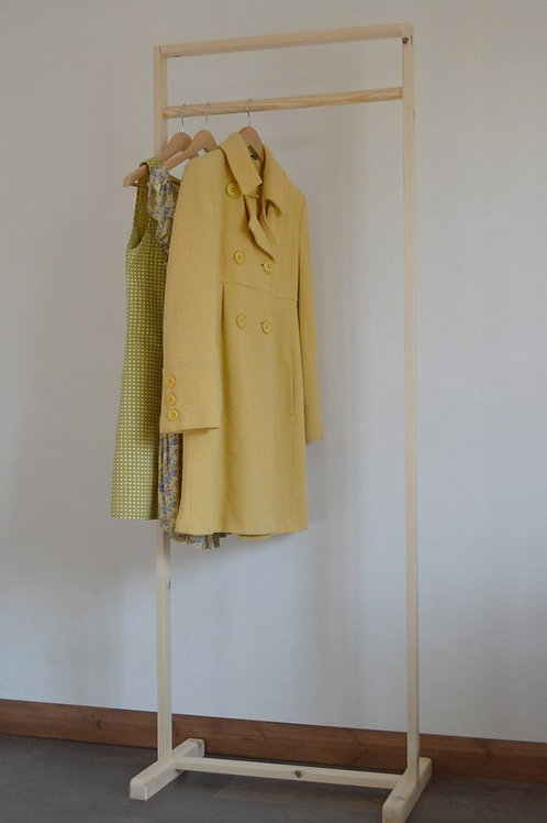 Clothes Rail in Frame Shape
