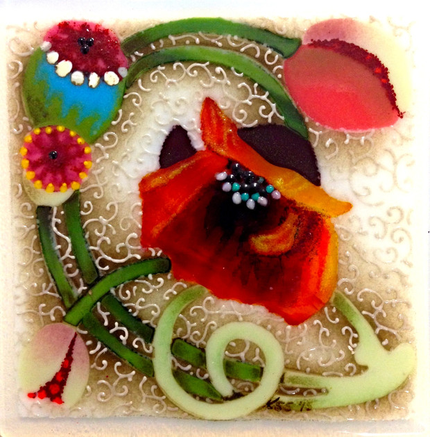 Poppy Spiral Tile