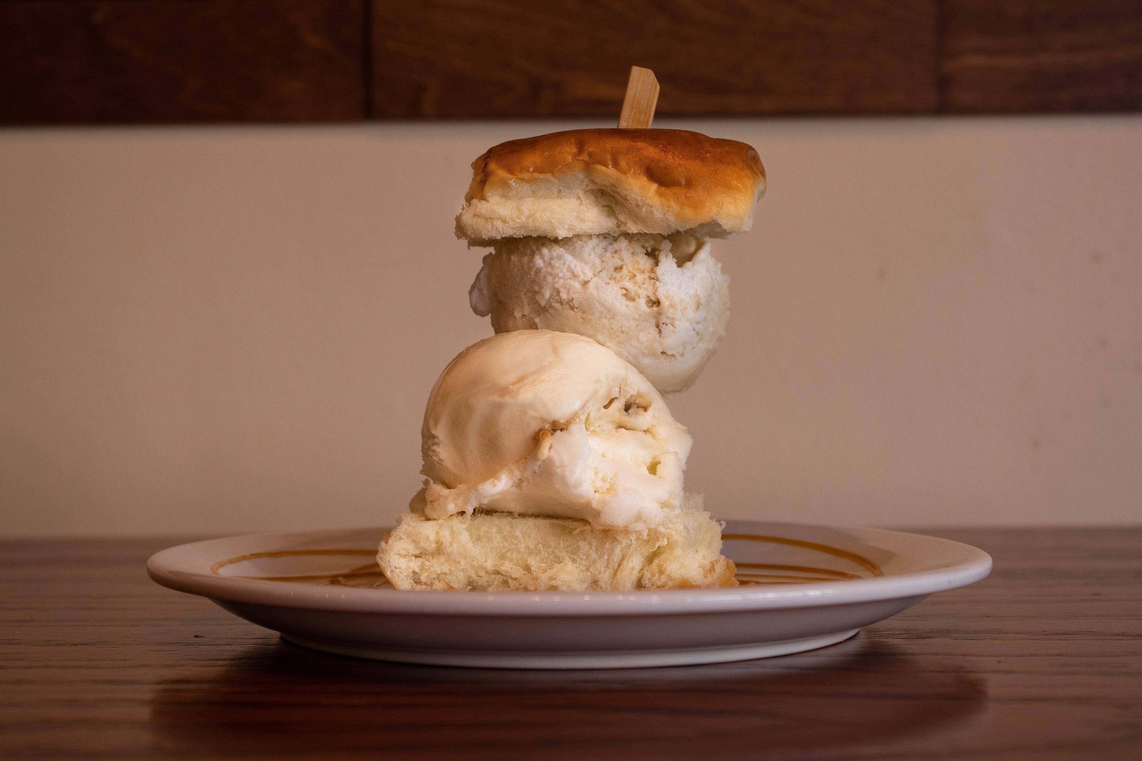 000000_Ice Cream Sandwich_MJ.jpg