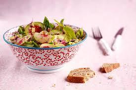 """Une petite entrée simple et savoureuse pour ce mois d'automne ? La salade de radis """"read meat"""" vous séduira."""