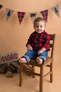 Youngstown OH Buffalo Plaid Birthday Session