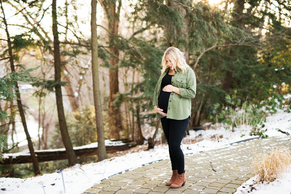 Mill Creek Park Maternity Session
