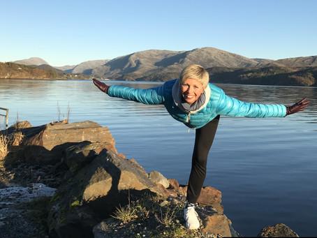 En hel helg med yoga i Leirfjord