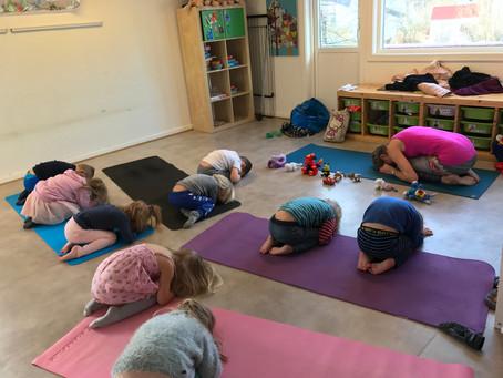 Yoga i barnehagen er gøy og utfordrende