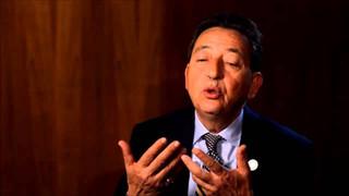 """29 octobre 2014  Interview du Cheikh Khaled Bentounes au Congrès International Féminin """"Paroles aux femmes"""" à propos de la nécessité du Vivre Ensemble"""