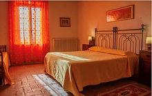 italy bed room.JPG