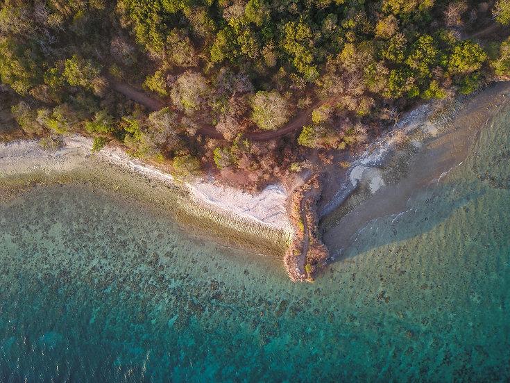 Crocodile Head and Shell Beach, Moyo Island