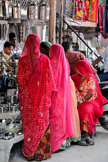 Women at the Market, Udaipur