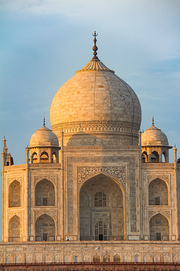 Sunrise on the Taj Mahal, Agra
