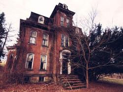 lg_1cf205-realhauntedhouses_ShannonOToole