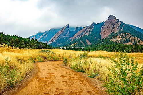 Trail to the Flat Irons