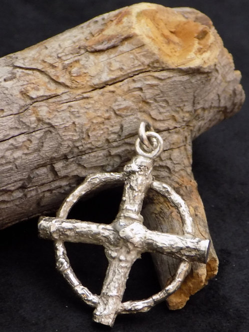 Oak Twig Cross