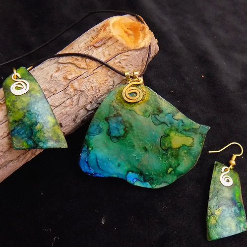 Green & Blue Gourd Jewelry Set with Gold wire accents