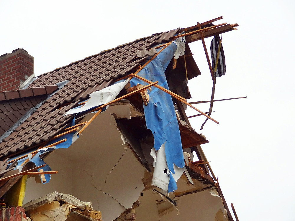 How to Handle Roof Damage from a Storm